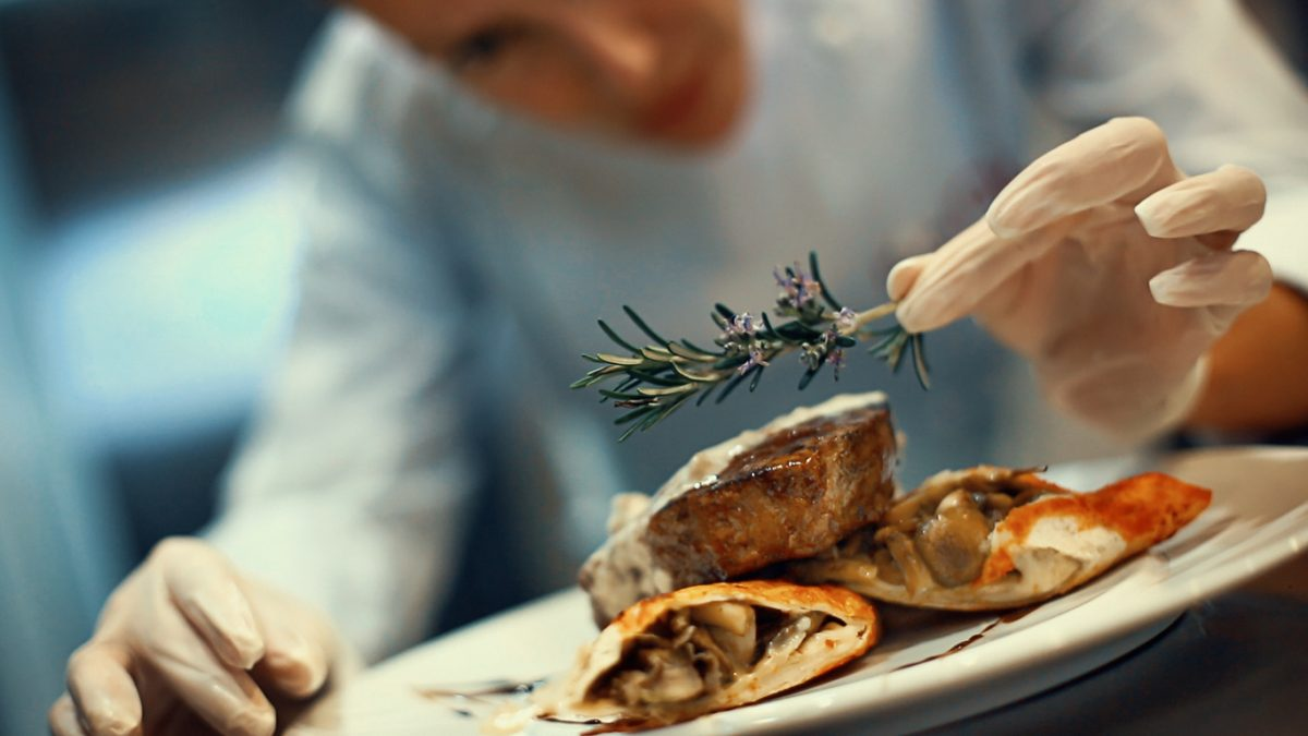 Top Tips on How to become a Chef